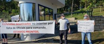 Manifestação na frente da Casa D'Agronômica