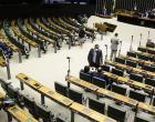 Deputados derrubam vetos à lei que suspende os despejos na pandemia
