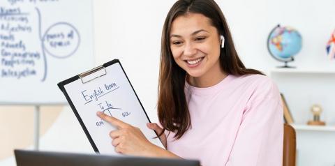 Aula online de inglês é uma alternativa para impulsionar carreira profissional