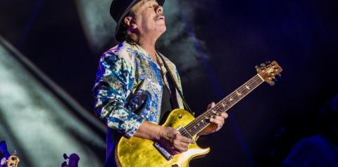 Lendário guitarrista mexicano, Santana lança álbum Blessings and Miracles