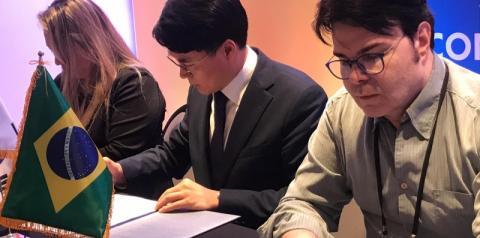 Rede Brasil de Televisão assina contrato com emissoras coreanas.