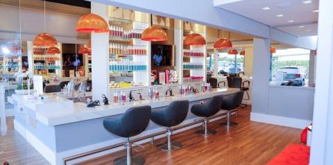 Stylebar abre as portas em Alphaville com serviços de beleza fáceis, rápidos e descomplicados
