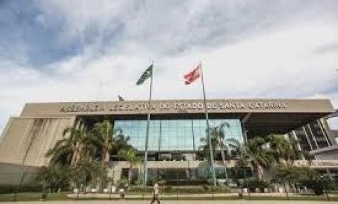 Irmão do Comandante-Geral da PMSC é nomeado Secretário Parlamentar na ALESC