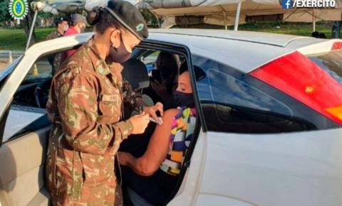 Exército Brasileiro apoiando na vacinação contra o covid em Uruguaiana/RS
