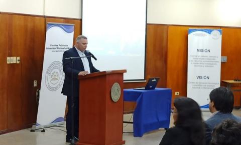 Diretor da UNILAS lança livro de Turismo no Paraguai.