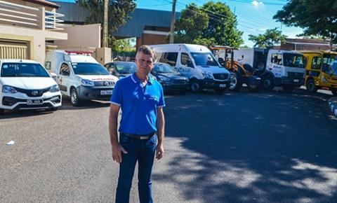 Prefeito de Iacri Carlinhos Freire conquista R$ 300 mil para investimentos