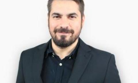 Entrevista com o jornalista Luciano Potter, do Pretinho Básico, que vai estar em Balneário Camboriú no dia 1°