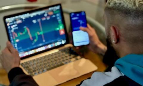 Empresário Victor Lourenço auxilia pessoas que queiram entrar para o mundo do Mercado Financeiro