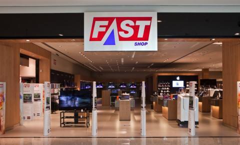 Linha de games e acessórios cresce mais que 100% no Dia dos Namorados, na Fast Shop