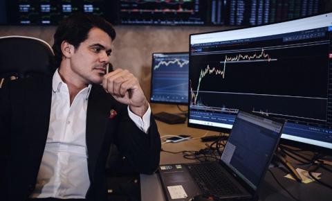 Criptomoedas não deverão sofrer impactos da Reforma Tributária segundo influencer de investimentos Antônio Neto AIS