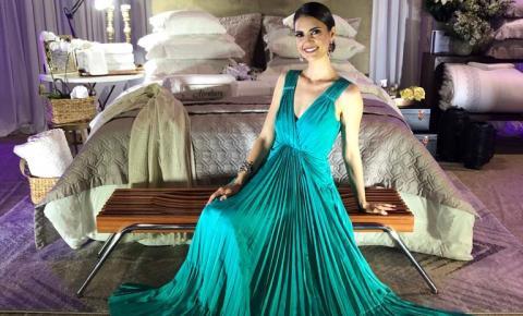 Casamento Coletivo de Blumenau teve a Chris Flores como madrinha dos noivos da 7ª edição