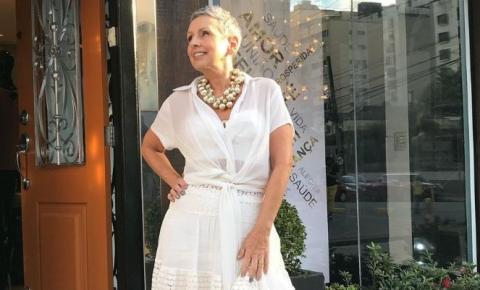 Falta sensibilidade no mercado da moda em reconhecer a longevidade do público, afirma Ceres Azevedo