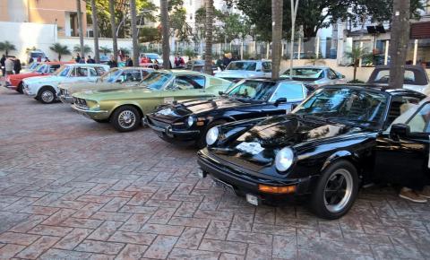 Largada do Rallye Histórico DIMEP acontece no Iguatemi Alphaville
