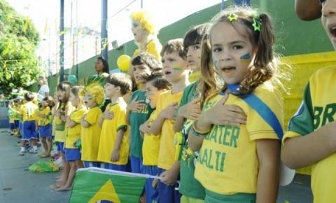 Ministro da Educação envia carta a escolas do Brasil