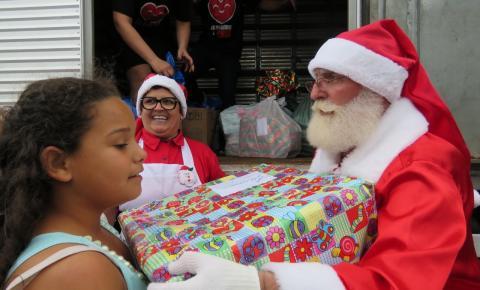 Confira como foi ação de Natal em comunidade de Itajaí