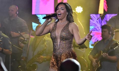 Cantora Karinah arrasa em estreia no Rio de Janeiro