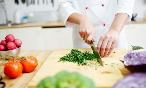Acibalc promove Curso de Boas Práticas para Manipuladores de Alimentos em fevereiro