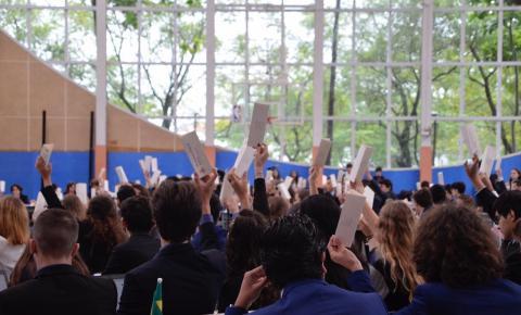 De forma virtual, alunos do Colégio Humboldt debatem temática da COVID-19 nos moldes da ONU no Humunited