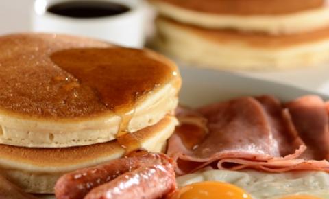 Café da manhã típico americano é o mais novo clássico na capital