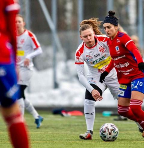 Fernanda Caroline Da Silva, a brasileira eleita a melhor jogadora do campeonato sueco de futebol
