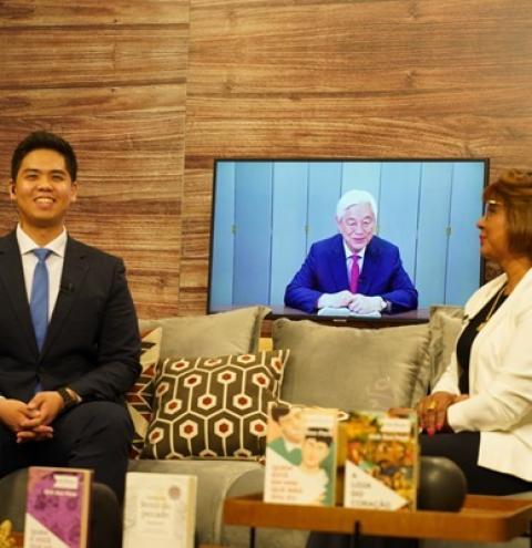 Pastor Ock Soo Park participou de entrevista ao vivo na Rede Super de Televisão.